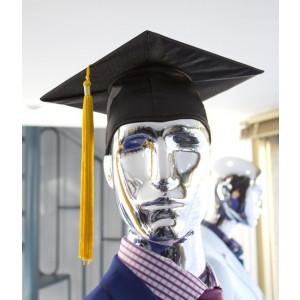 Birrete de graduación raso negro