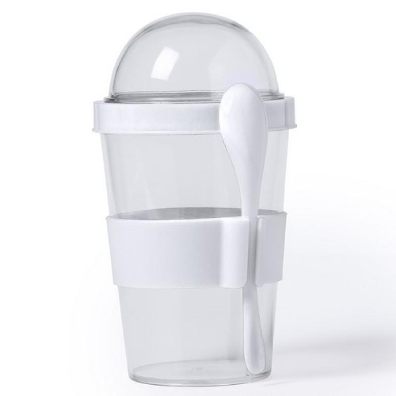 vaso transparente con cuchara blanca